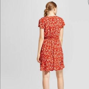 8427eb8cec3 Mossimo Supply Co Dresses - Floral Short Sleeve Woven Wrap Dress Rust  Mossimo